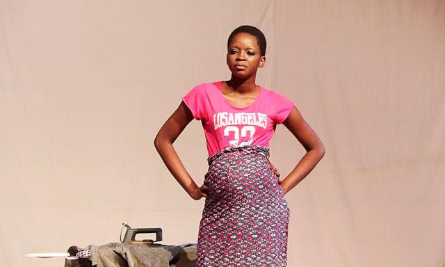 Alima Togola dans «Djon bê sini don ?, Qui connait l'avenir ?»