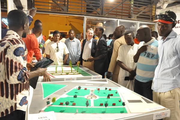 Ibrahim Djikiné présente le projet «Pousser en ville»